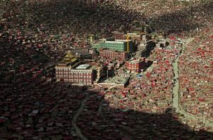 A view shows the settlements of Larung Gar Buddhist Academy in Sertar County of Garze Tibetan Autonomous Prefecture, Sichuan province, China, July 23, 2015. REUTERS/Stringer/Files